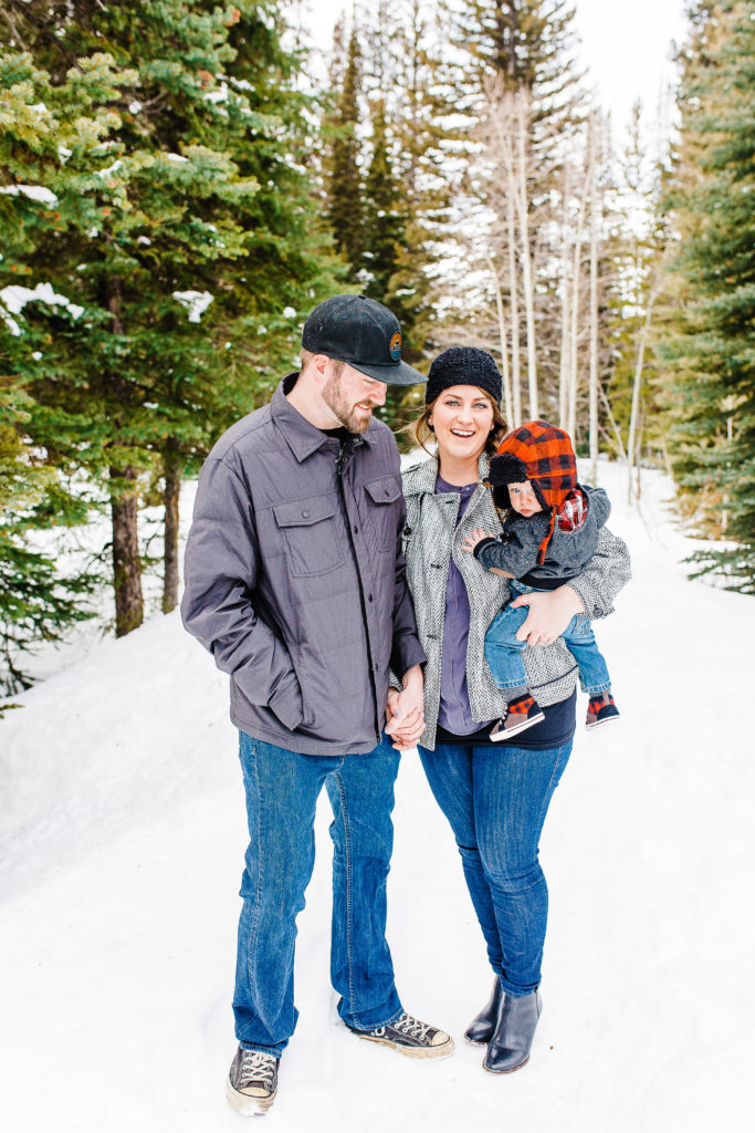 Snowy Family Pictures | Utah Family Photographer