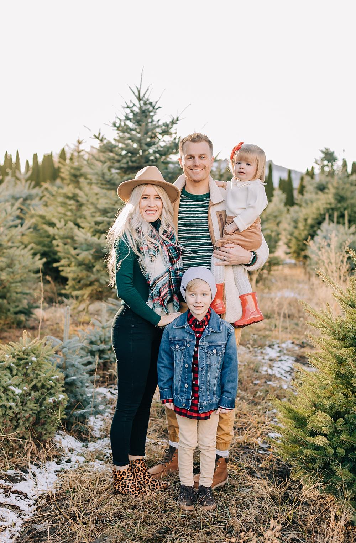 Christmas Tree Farm Photo Shoot Ideas Truly Photography